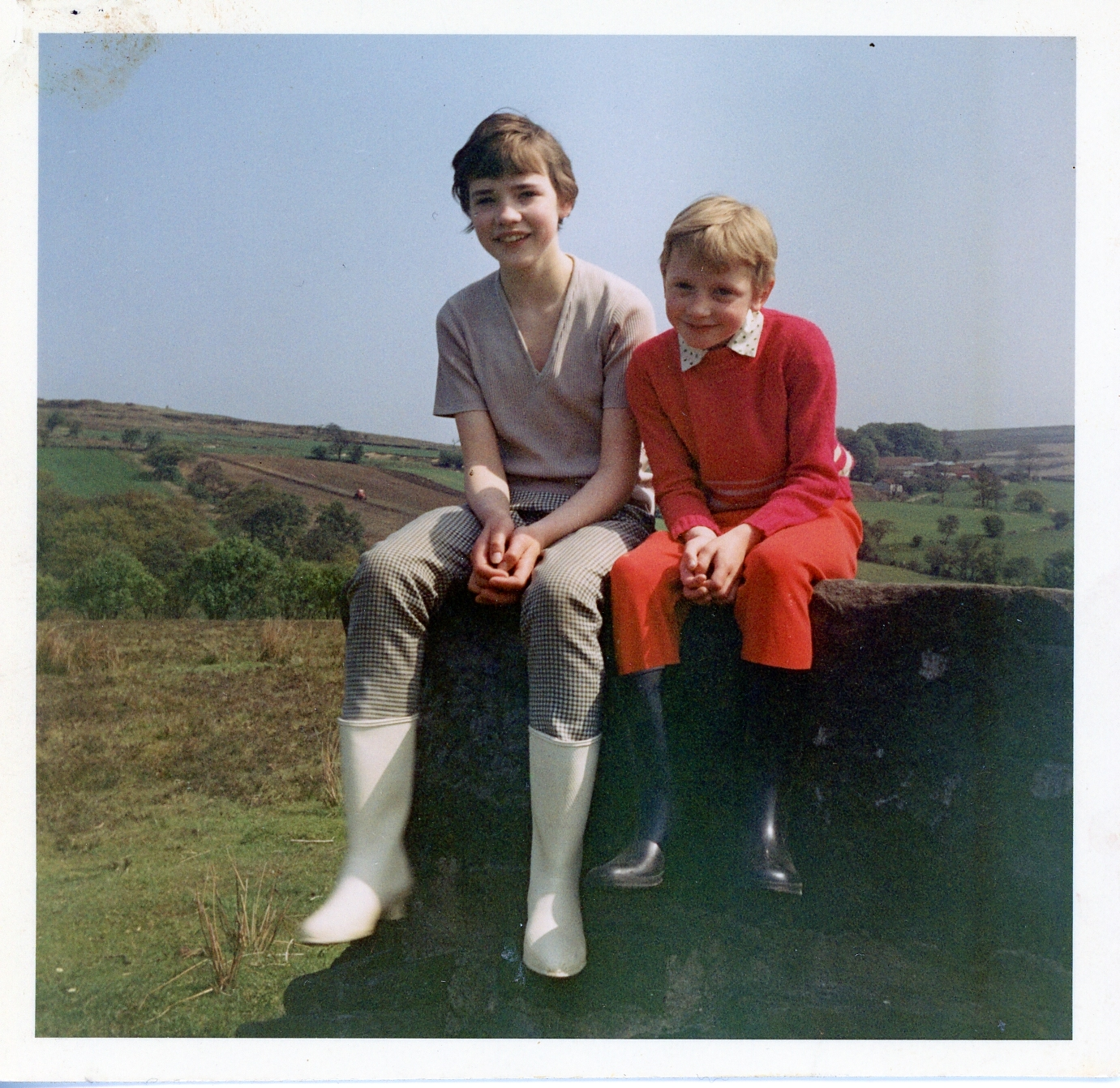 1967 - Rosemary with sister Jackie, Commondale
