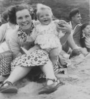 1954 - Rosemary & her mother, Irene, Redcar