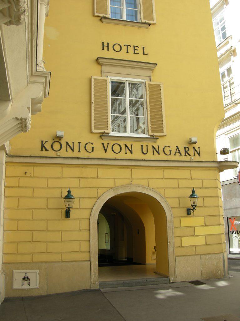 King of Hungary Hotel